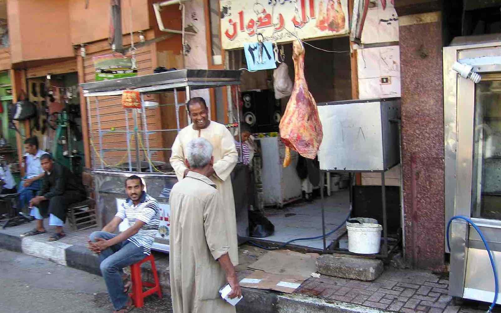 Egypt; Livet bak turistgatene i Luxor