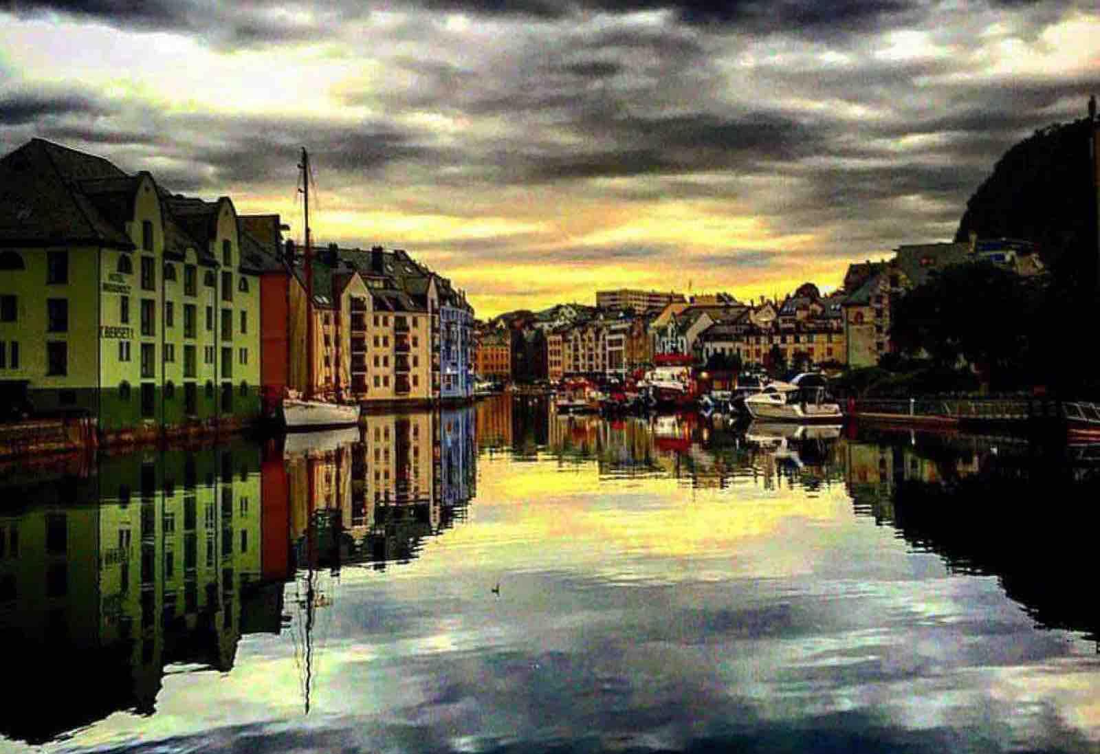 En bypatriots bekjennelse; Ja, jeg elsker Ålesund!