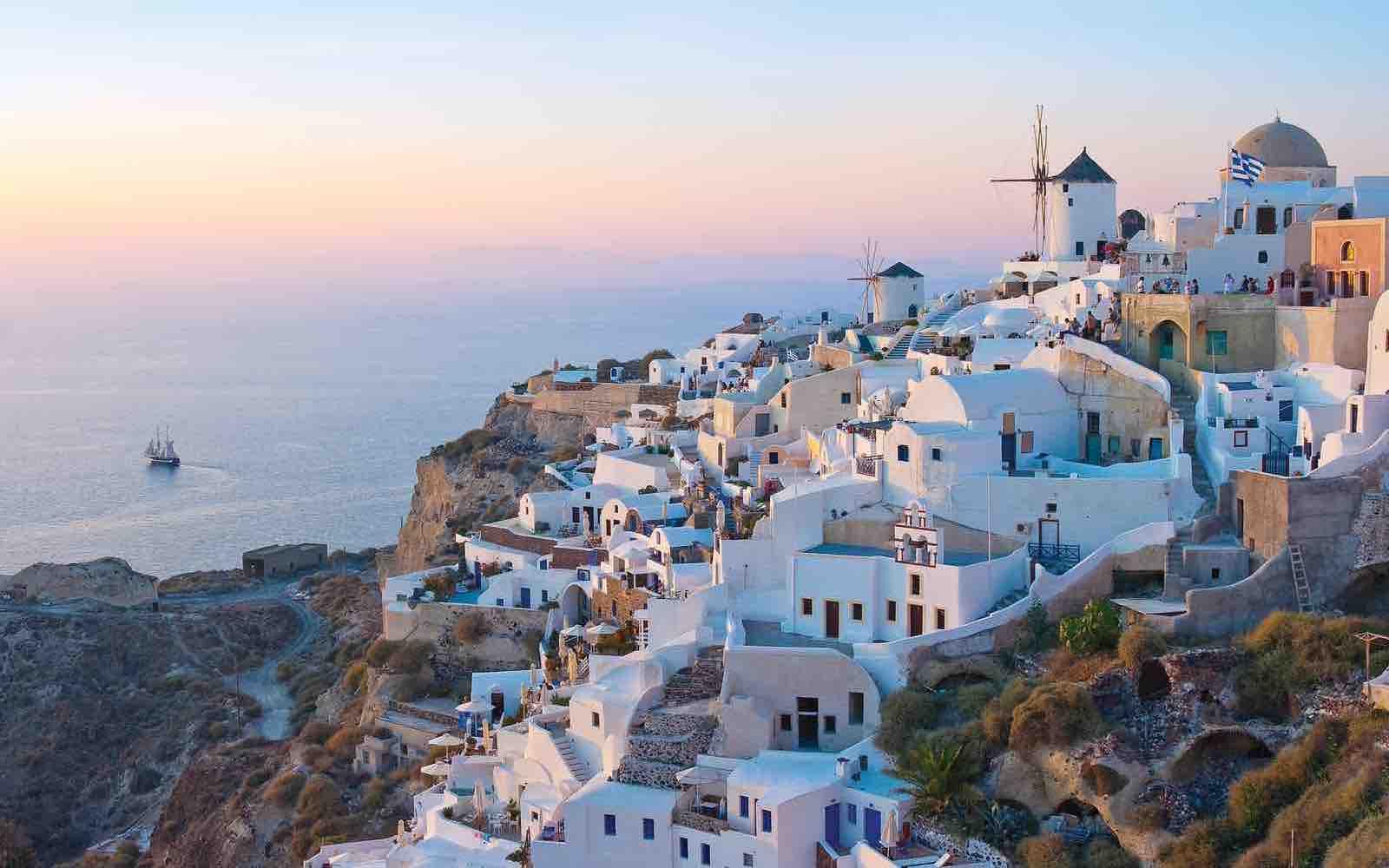 Sterk advarsel: Bli hjemme – ikke reis til Santorini