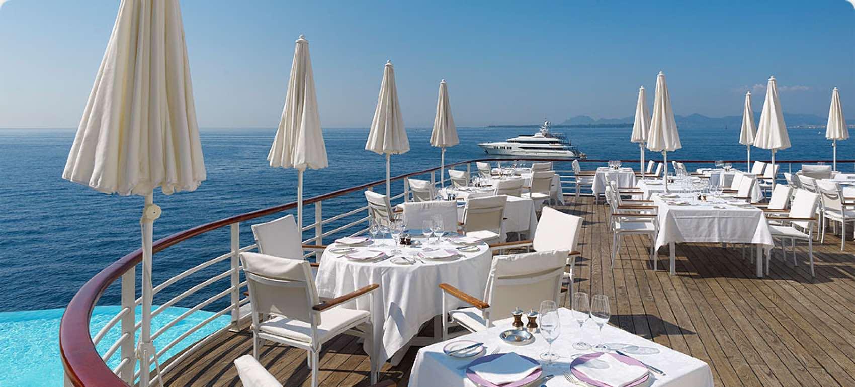 Mat og vin er en viktig årsak og kulttur for nordmenn til å feriere langs den franske riviera