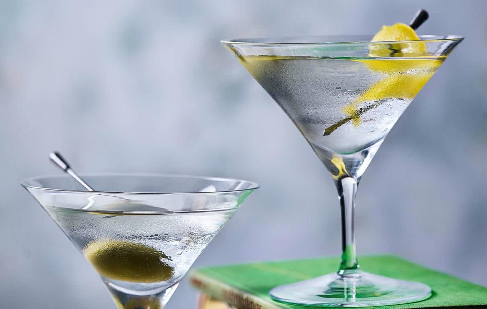 En Dry Martini cocktail slik den bør serveres