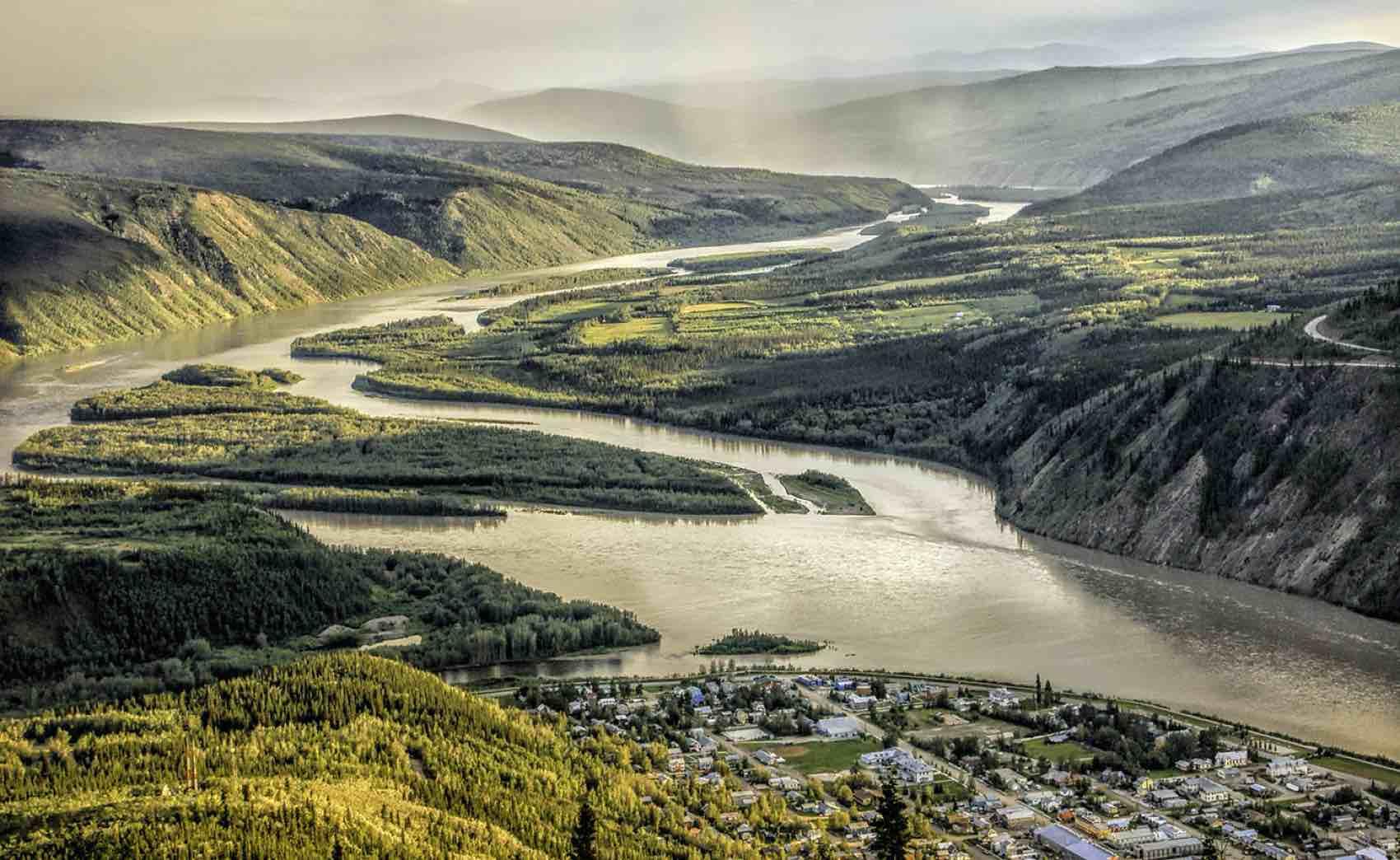 Dawson City er møteplass for to store elver i Canadas villmark