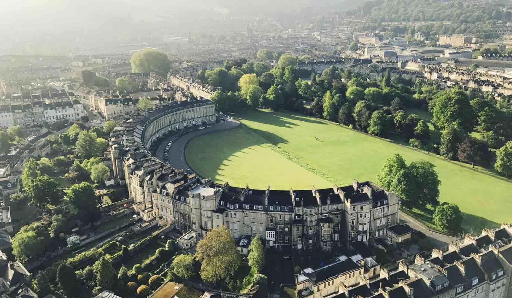Historisk by: Royal Crescent, Bath, England.