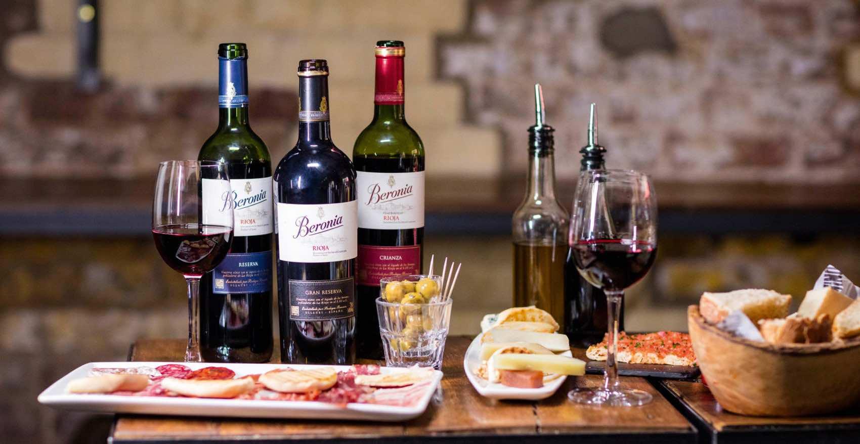 Spanske retter med vin fra Rioja