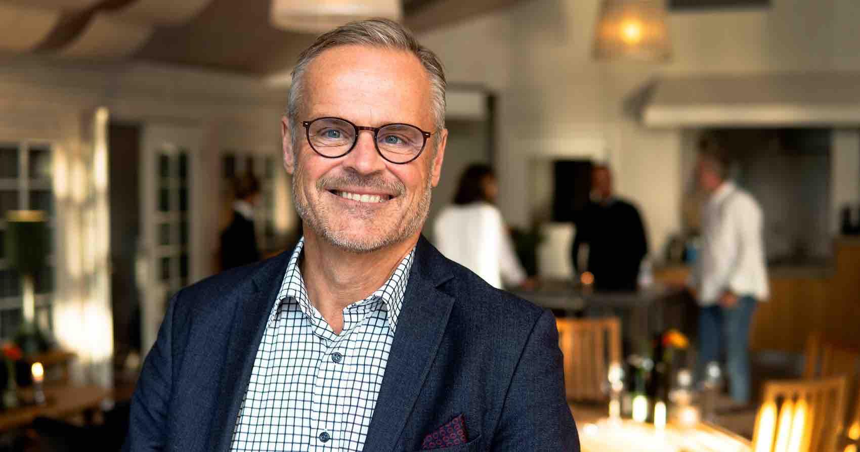 Fredrik Lindèn, sjef for Turistrådet Vest-Sverige,  ønsker nordmenn velkommen.