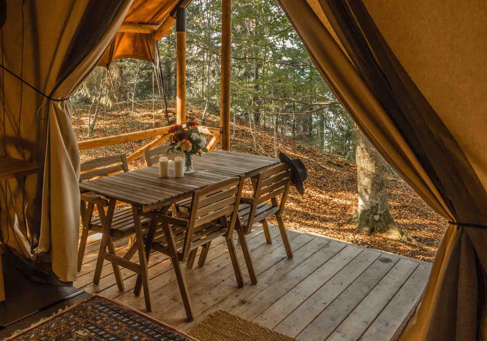 Glam og camping er blitt til Glamping i Sverige, helst ute i villmarka